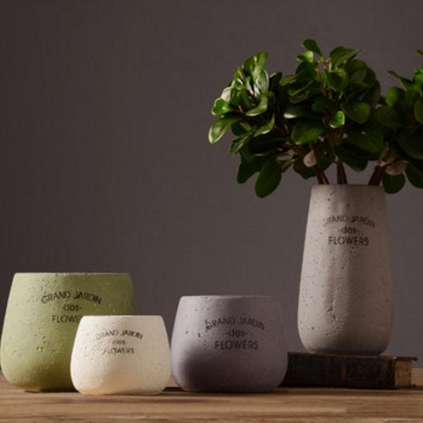 Vintage Courtyard Style Vase