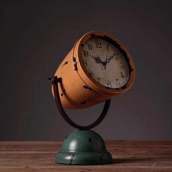 Vintage Desk Clock