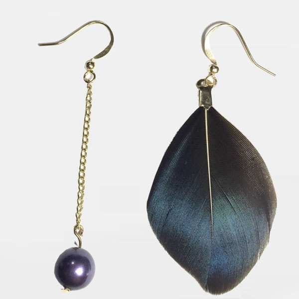Black Feather & Pearl Earrings